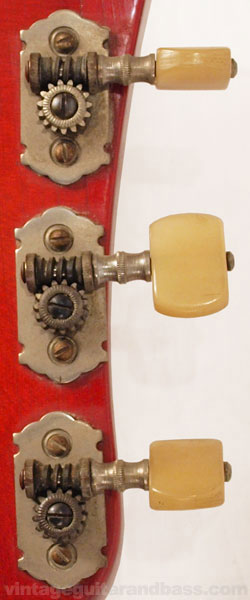Hofner lyre-type tailpiece