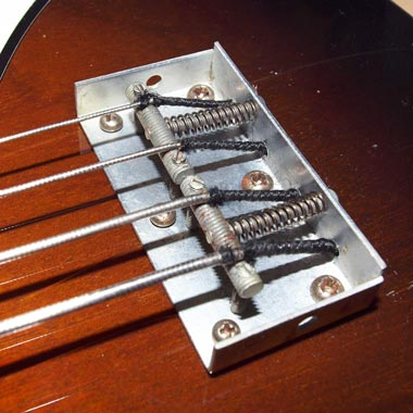 1965 Vox Bassmaster bass - compensating bridge detail