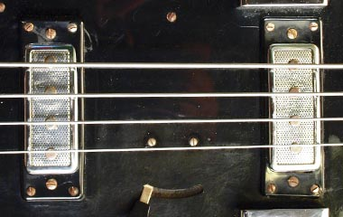 Hagstrom Coronado bass single-coil pickups