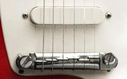 Kalamazoo KG1 pickup (single coil PU380) and TPBR 8513 combined bridge/tailpiece