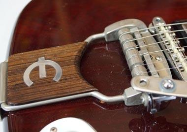 Epiphone Crestwood Deluxe Tremotone vibrato