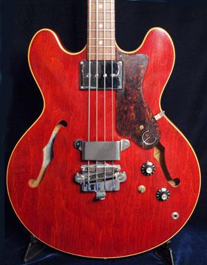 1967 Epiphone Rivoli bass