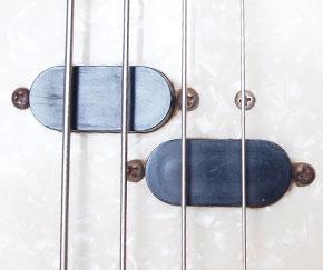 Fender Mustang bass pickup detail