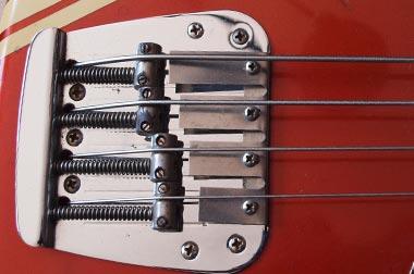 Fender Mustang bass bridge