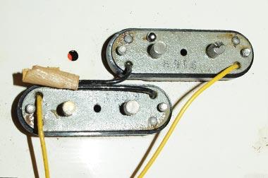 Fender Mustang bass pickups reverse view