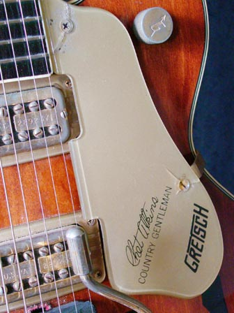 1971 Gretsch Chet Atkins Country Gentleman - scratchplate detail