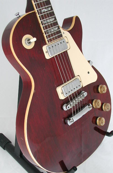 1976 Wine Red Les Paul Deluxe, front view