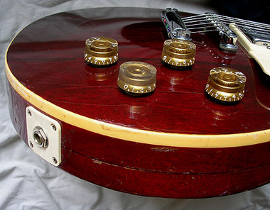 1976 Wine Red Les Paul Deluxe