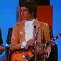 Pete Townsend on the Smothers Brothers show 1967