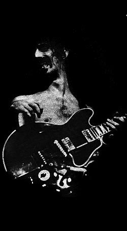 Frank Zappa with a Gibson ES355TDSV - image courtesey of http://www.rickmcgrath.com